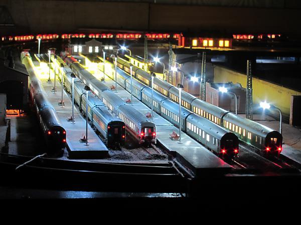 Тупиковая часть девяточного вокзала ночью