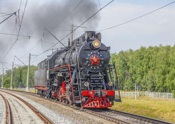 Паровоз ЛВ-0182 на эксперементальном кольце ВНИИЖТа*в Щербинке по случаю пр